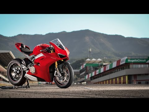 2019 Ducati Panigale V4 S in Medford, Massachusetts
