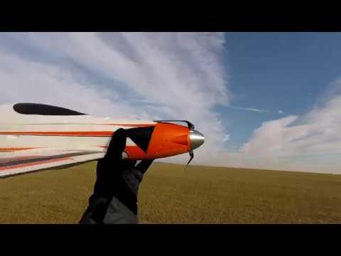 eflite-v900-vs-4s-vs-sklopná-vrtule