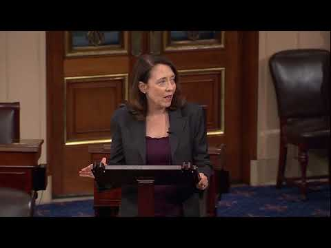 Cantwell%20Speaks%20after%20Provision%20to%20Boost%20High%20School%20Coding%20Programs%20was%20Signed%20into%20Law