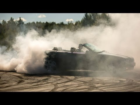 BMW E36 325i Burnout Tires Blow!