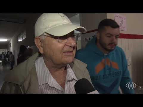 Idosos comparecem em peso para votar no maior colégio eleitoral de Nova Friburgo