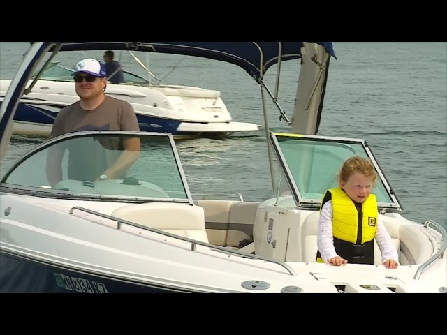 Tips For Boating Safely This Summer