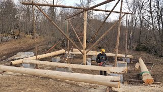 Building Off Grid Log Cabin - Ep 11 / Lift Works And The First Logs Are In Place