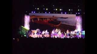 Jimmy Buffett new song, Something about a boat. Nashville 2013