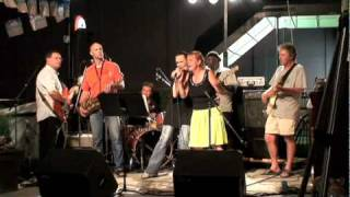 "Klaude Walters & Charity Brown singing ""Chain of Fools"""