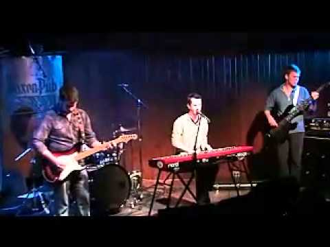 Crowded Hill - Queen of Mystery (Live @ Saxon Pub)