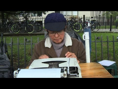 Disappearing jobs: Colombian street typist