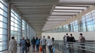 Израиль -- Идём по аэропорту им. Д.Бен-Гуриона на паспортный контроль