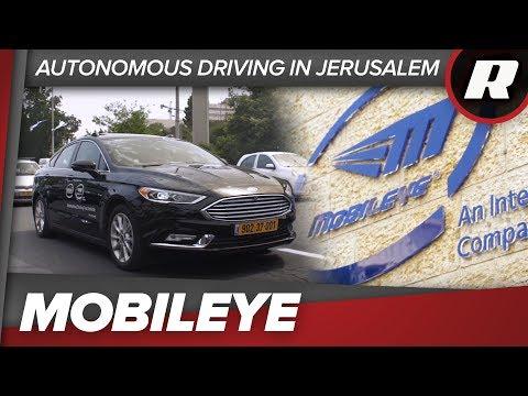 Intel-Mobileye Testfahrzeug fährt über Rot