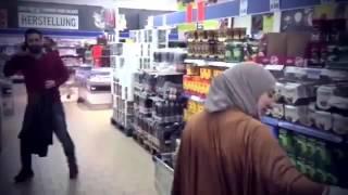 بالفيديو أب سوري يلتقي ابنته بعد غياب خمس سنوات