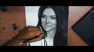 Quarantine Day 6: Drawing Deepika Padukone | Graphite and Charcoal speed art
