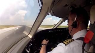 Смотреть онлайн Как же тяжело сажать самолет