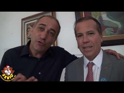 Vereador Marciano agradece o Deputado Estadual Marcio Camargo pela conquista da grama sintética na quadra de fora do Csu