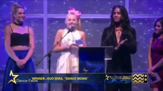 JoJo Siwa Cries on Stage at Awards Ceremony