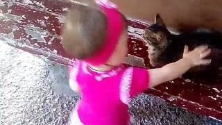 Дети и Коты))))