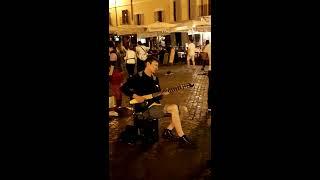 Гитара, Рим, Италия, классно играет на гитаре, гитара, музыкант,  Площадь Джордано Бруно.,