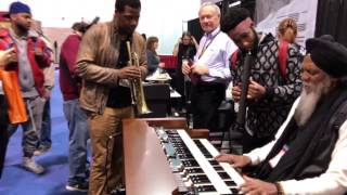 Dr <b>Lonnie Smith</b> And Cory Henry Jam Pt1