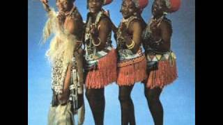 Mahlathini & The Mahotella Queens   Melodi Yalla
