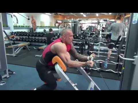 Pływanie mięśnie klatki piersiowej
