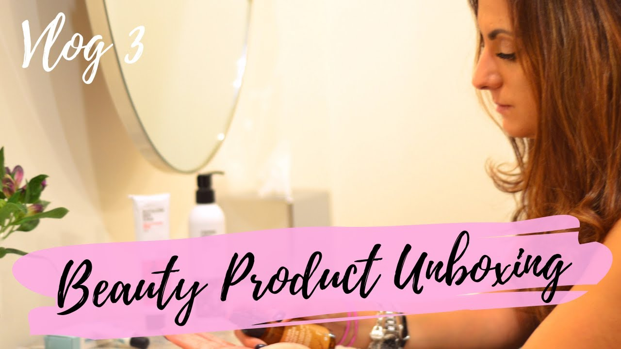 VLOG #3    BLOG PRODUCT PHOTOGRAPHY, BEAUTY PRODUCT UNBOXING AND COFFEE WITH MY CHIHUAHUA