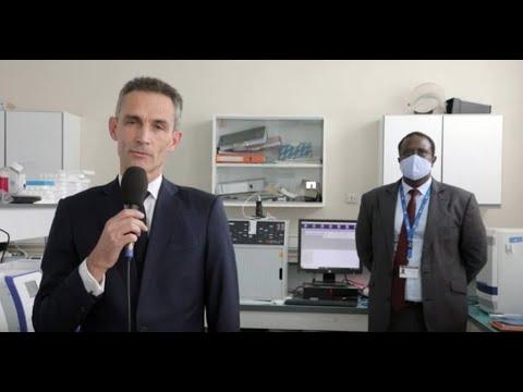 L'UE soutient la recherche médicale : regards croisés entre S.E. Philippe Lalliot et Dr Amadou Sall