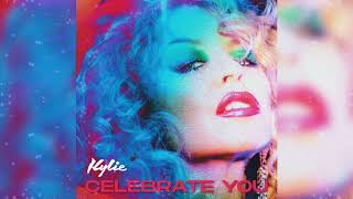 Kadr z teledysku Celebrate You tekst piosenki Kylie Minogue