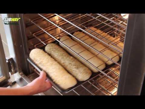 Vers gebakken brood bij de Subway