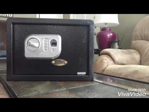 SereneLife Safe Box with Fingerprint Recognition demonstration