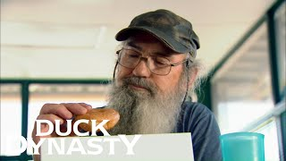 Duck Dynasty: Top Moments: Si Wins A Donut Eating Competition | Duck Dynasty