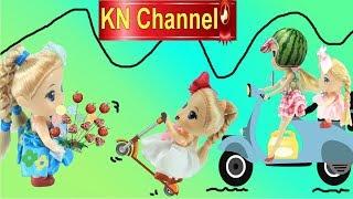Đồ chơi trẻ em BÚP BÊ KN Channel CHẠY XE SCOOTER BIKE BỊ CHÚ CẢNH SÁT BẮT