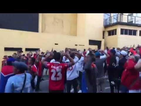 """""""La hinchada de Nacional en el Palacio Peñarol"""" Barra: La Banda del Parque • Club: Nacional"""