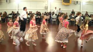 preview picture of video 'Contradanses infantil. Ball Gitanes la Llagosta (Martorelles, 14 abril 2012)'