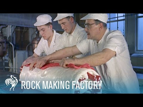 British Pathé Video Showing Skilled Rock Candymakers [3:27]