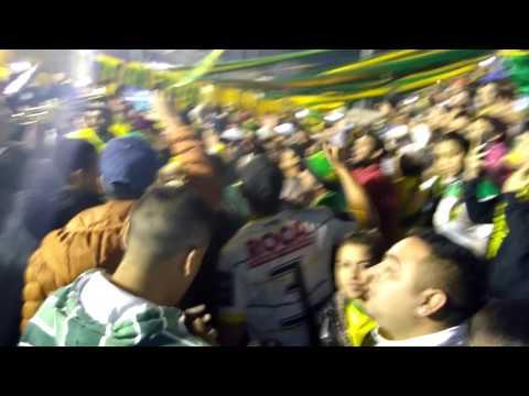 """ENTRADA DE LA BANDA DE VARELA/ DYJ 2 VS QAC 0"" Barra: La Banda de Varela • Club: Defensa y Justicia"