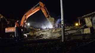 Разбор завалов на месте рухнувшего моста в Свободном