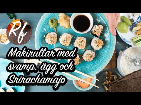 Makirullar med svamp, ägg och Srirachamajo. Sushi Maki är skivade bitar av en rulle med ris i sjögräs. Här en variant med svamp - portabello - skivad och lätt stekt med lite ljus soja, omelett av ägg som vispats upp och stekts lätt till i en tunn omelett.>