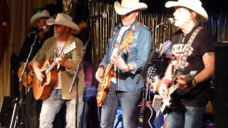 Los Pacaminos - You Never Can Tell