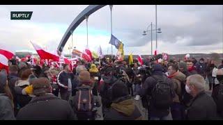 NA ŻYWO: protesty polskich i niemieckich sceptyków korony na granicy we Frankfurcie nad Odrą