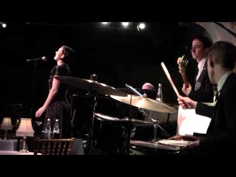 "Rumer Willis covers Brandi Carlile's ""The Story"" at Café Carlyle"