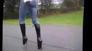 На высоких каблуках... Как ходить на каблуках.