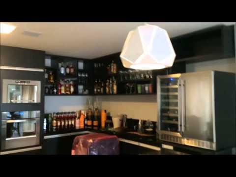 Bar com armários planejados