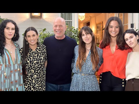 bruce-willis-beams-while-supporting-ex-demi-moore-at-book-party-with-their-3-daughters-and-his-wife