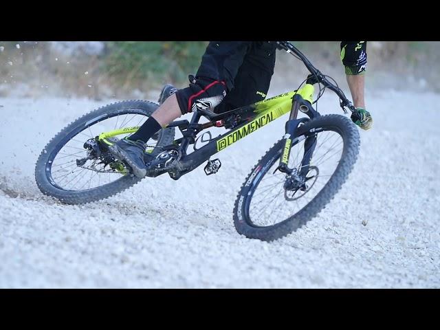 Видео Шлем Urge Drift черный