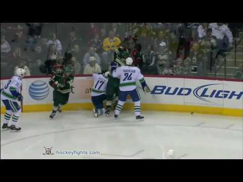 Derek Boogaard vs. Darcy Hordichuk