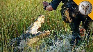 CLOSE CALL! Alligator Attacks Cameraman!