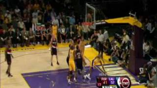 Kobe Bryant Switches Hands Mid-Air for the Lay-up