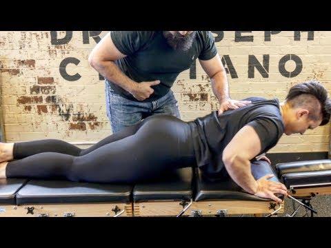 , title : '*FEMALE BODYBUILDER* gets her Back CRACKED!!'