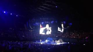 """Trisha Yearwood """"Over the Rainbow"""" live at the LA Forum"""