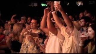 "Jimmy Buffett ""Cheeseburger In Paradise/He Went To Paris"" Live"