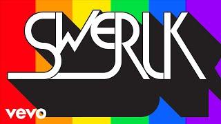 """Scissor Sisters y MNDR realizan el videoclip """"Swerlk"""" por el aniversario del atentado en e"""